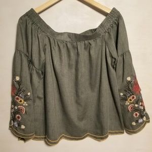 Umgee Tops - 🌺  Pretty Green Umgee Off Shoulder Top w/Flowers